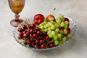 Виноград и вишня